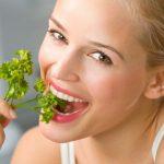 Healthy-Skin-Diet-eat_woman_lunch1